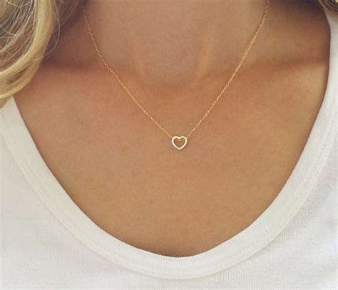 """""""Dainty Simple Heart Necklace"""" - Gold or Silver – Family Deals"""