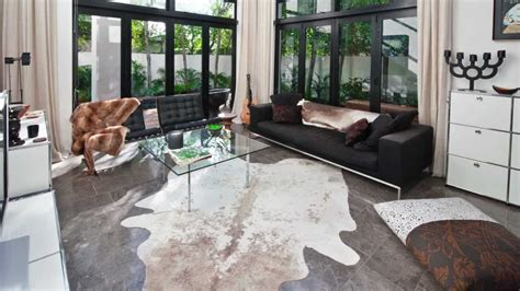 How to Select a Good Quality Cowhide Rug by www
