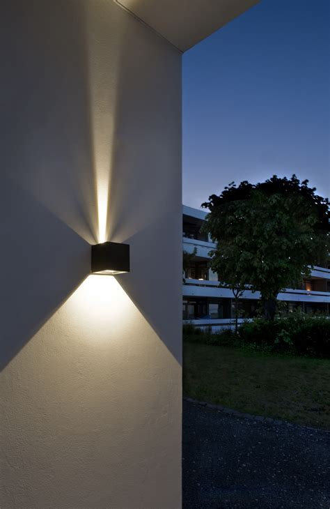 Led outdoor wall light - change the atmosphere by creating